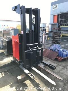 Raymond 20R30TT Electric Reach Forklift (Battery not included)