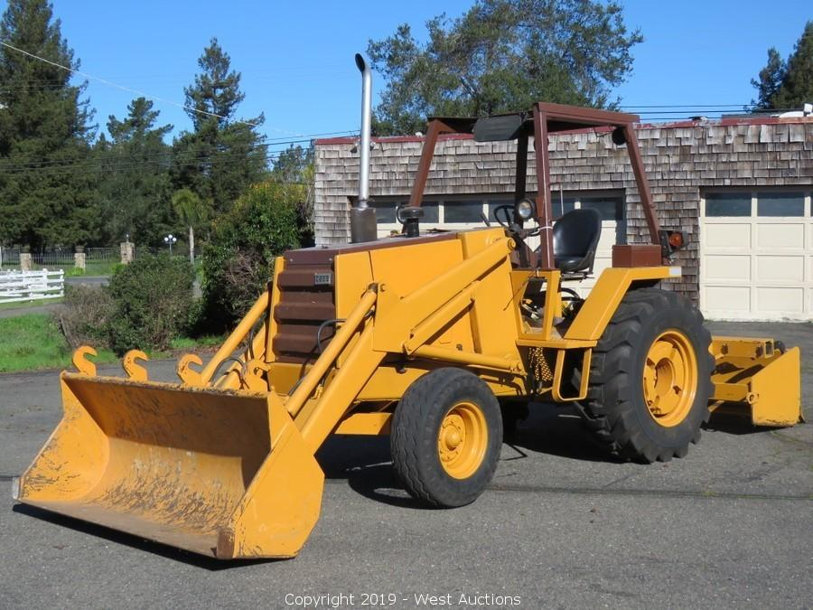 1986 Case 480E Skip Loader with Box Scraper
