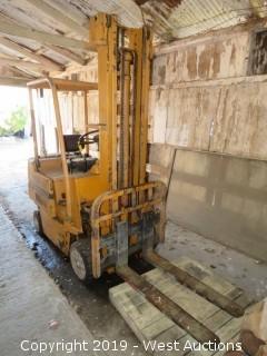 TCM FCG20 4000lb Gas Forklift