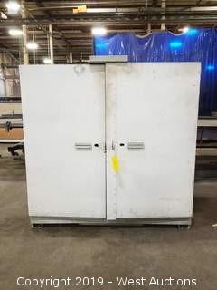 """Steel Cabinet 60.5""""×30""""×59.5"""""""