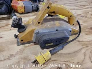 DeWalt DW675 Double Insulated Planer