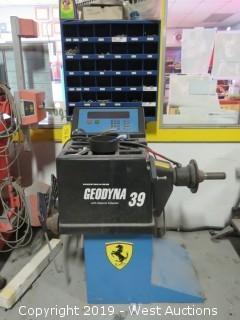 2000 Hofmann Geodyna 39 Programmable Wheel Rim Tire Balancer
