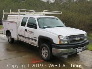 2004 Chevrolet Silverado 2500HD Access Cab Utility Truck