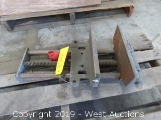 "10"" Bench Mounted Vise"