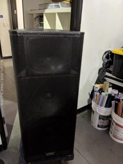 "QSC KW153 1000W 15"" 3-way Powered Speaker"