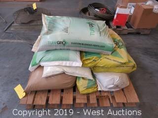 Pallet: (9) Sacks Of Fertilizer
