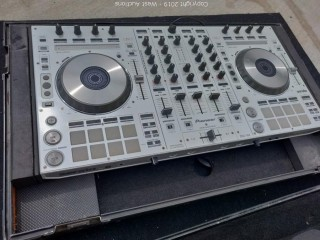 Pioneer DDJ-SX DJ Controller in Road Case (White Color)
