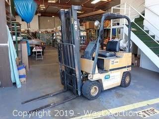 CAT V300 3,000 LB Capacity Propane Forklift