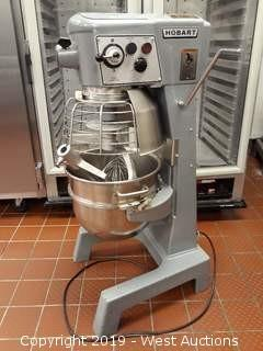 Hobart D300 30 Quart Mixer With (3) Mixing Heads And Mixing Bowl
