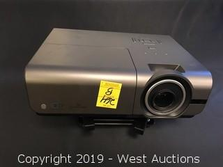 Optoma Daehuzz Projector With Mount