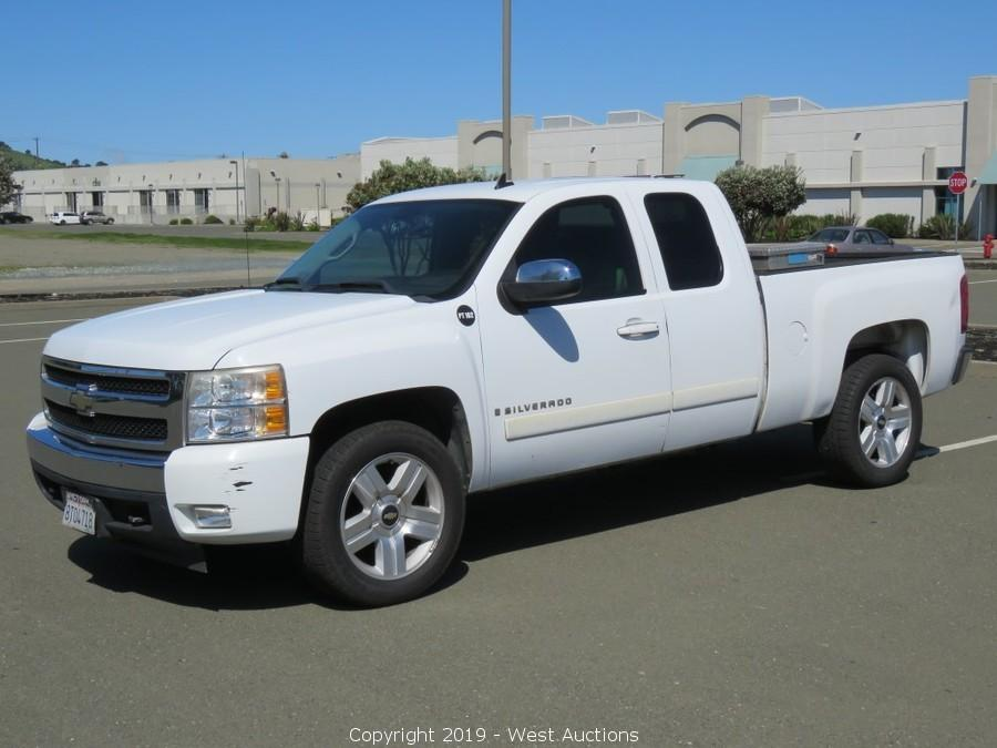 Online Auction of 2008 Chevrolet Silverado LT Extended Cab Pickup Truck