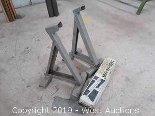 (2) Stinson Ladder Jacks And (1) Ladder Leg Level