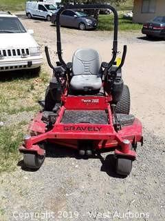 Gravely Pro-Turn 260 Riding Mower
