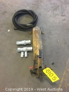 Hydraulic Pump With Hose And Quick Releases