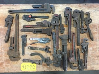 Assorted Pipe/Monkey Wrench Kit