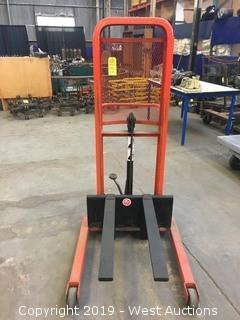 Presto Foot powered Fork Lift 1000 Lb Cap