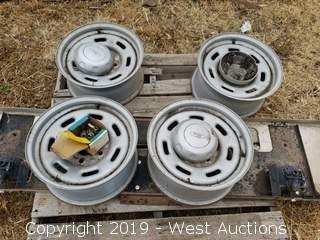 "(4) 17"" Ford Rims"