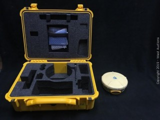 Trimble R8 Bluetooth Receiver With Antenna In Carrying Case