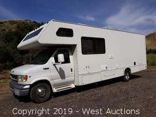 2000 Ford E-450 Ford 27' Toy Hauler RV With Lift Gate