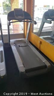 Precor 954i Commercial Treadmill