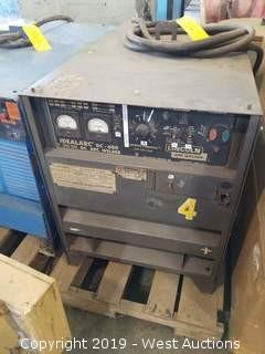 Lincoln IdealArc DC-600 Welding Machine