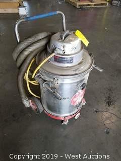 Milwaukee Wet/Dry Vacuum Cleaner