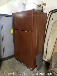 "Refrigerator 32"" x 26"" x 66"""