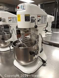 Globe SP8 8 Quart Gear Drive Mixer with (1) Bowl And (3) Mix Heads