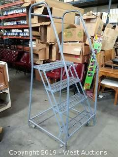 3.5' Portable Warehouse Ladder