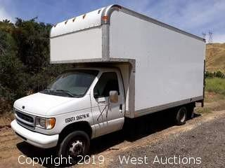 2001 Ford E-450 17' Box Van With Lift Gate