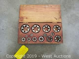 Assorted Pipe Threading Dies