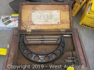 Starrett No. 224 Micrometer Caliper Set C