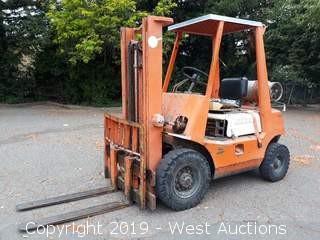 Toyota 4,400 LB Capacity Propane Forklift