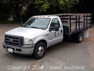 2005 Ford F-350 XL Super Duty 12' Stakeside Diesel Flatbed Truck