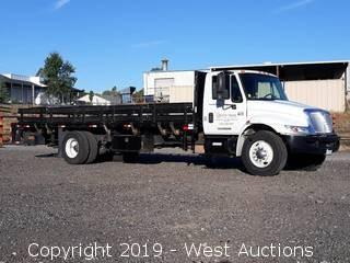 2007 International 4300 25' Stake Side Flatbed Truck with Liftgate