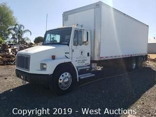 2000 Freightliner FL70 26' Diesel Box Truck