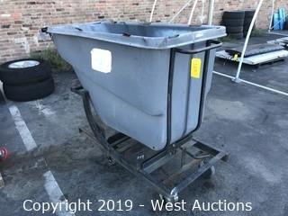Rubbermaid Trash Bin With Cart