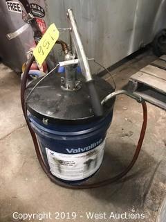 Valvoline Gear Oil Bucket With Pump