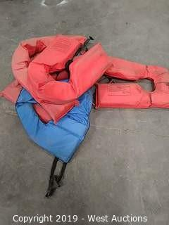 (6) Adult Universal Life Vests