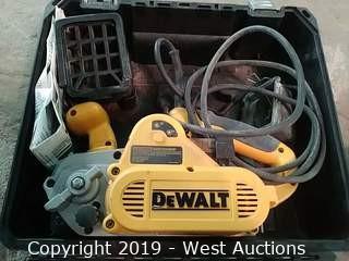 """Dewalt DW433 3"""" × 21"""" VS Belt Sander"""