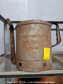 Vintage Wingspout 5 Quart Oil Can