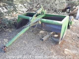John Deere 8' Hydraulic Scraper