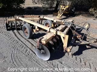 International Harvester 12' 2 Row Hydraulic Disc