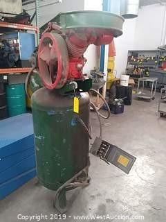Le Roi Dresser Series 40 Two-Stage Air Compressor