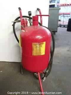 Central Pneumatic 34202 40 Lb Pressurized Sandblaster
