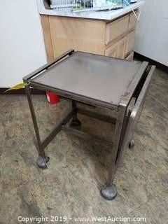 Rolling Cart with Foldable Arm