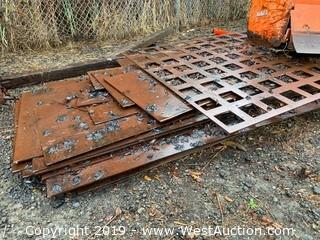 (16+) Assorted Size/Style Steel Plates