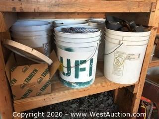 Contents Of Shelf; Buckets With Rope And Safety Straps