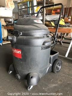Dayton 1UG91B Wet-Dry Vacuum