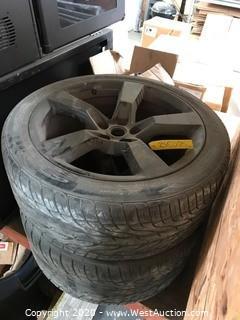 (2) Toyo 275/40R20 106W Wheels